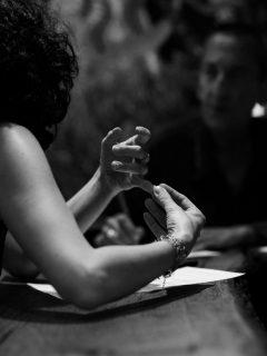 Glòria Massana explicant el seu vincle amb la lectura // Joan Gosa