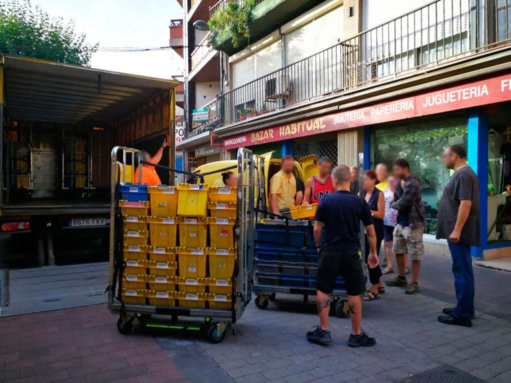 El camió descarregava al carrer de Rafael Casanova // SiPcte