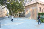 Una àmplia vorera ocupa l'espai on abans hi havia l'annex // Jordi Julià