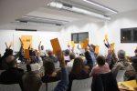 Una assemblea oberta ha aprovat per unanimitat governar amb PDeCAT i CUP // Jordi Julià