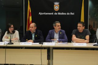 Les cares somrients s'han pogut veure entre el nou govern // Jordi Julià