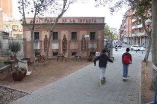 El racó de Carles Vives és a la cruïlla del carrer de la Verge del Pilar amb l'avinguda de València // Jordi Julià