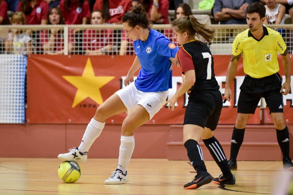 Laura Oliva en un partit de futbol sala // FCF