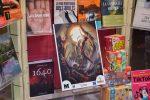 Cartells de terror engalanen els comerços de la vila