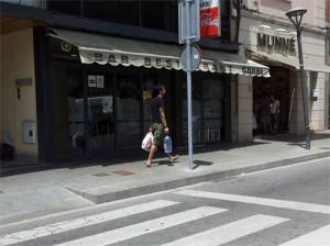 Tot i que no serà el mateix, el bar Garbi seguirà al costat de l'Ajuntament // Jose Polo